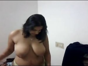 Indian mother I'd like to fuck does a little disrobe tease with saree